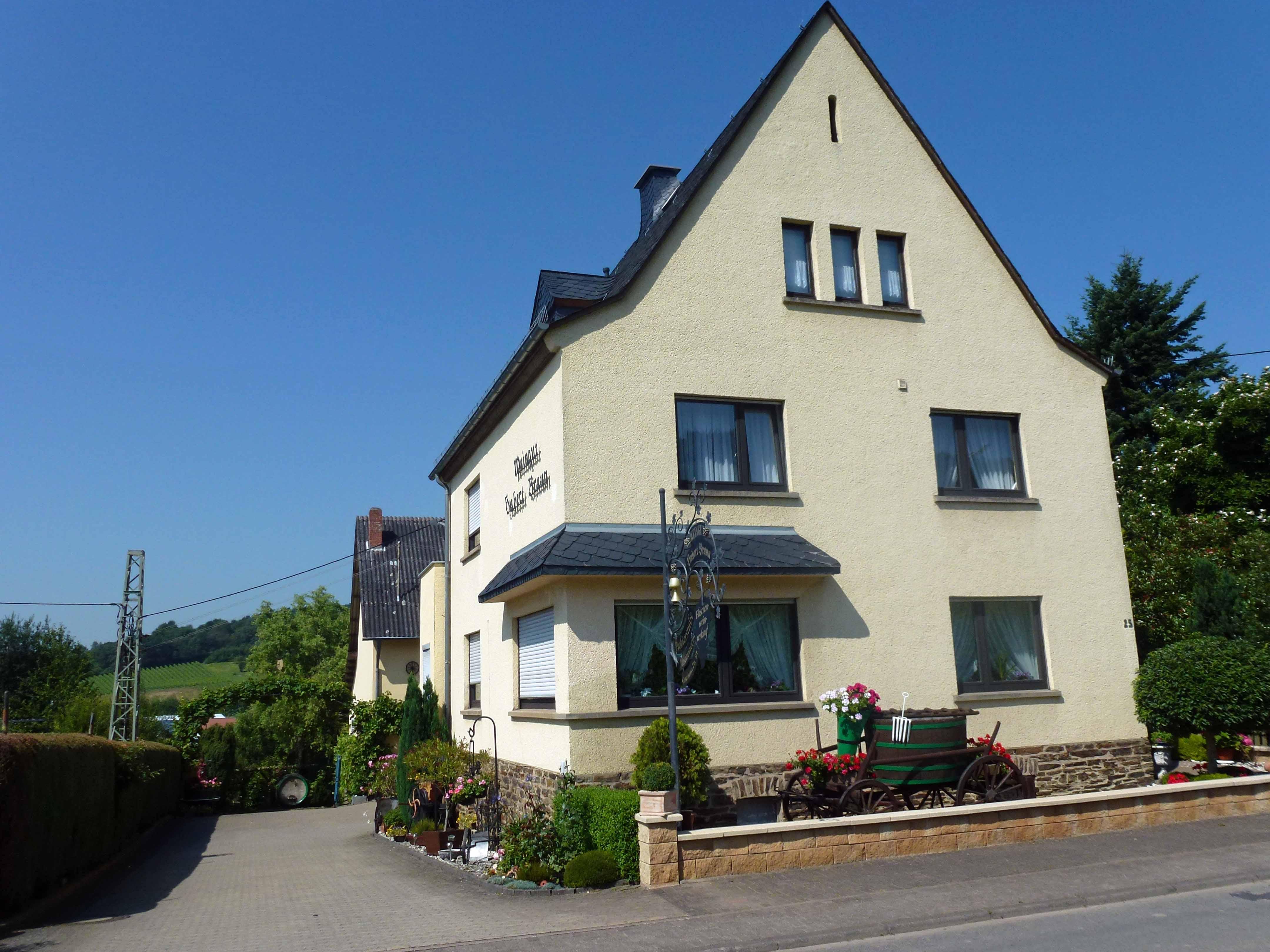 Wohnmobil-Stellplätze   Weinort Osann-Monzel an der Mosel
